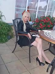 Blonde leggy mom in cute short skirt