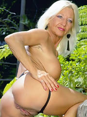Sweetheart moms live and naked on webcam for free Click Here