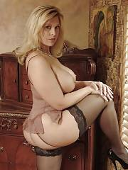 Mature plump in stockings