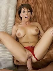 Nice mom penetrate