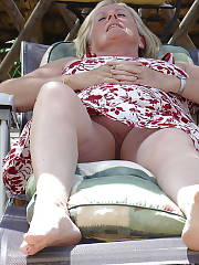 Under skirts of Nigela a mature wife
