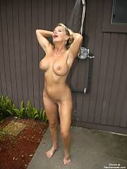 Mother in the Shower outdoorshower edition