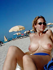 Yummy topless mother