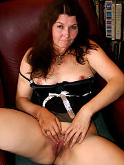 Mom in french maid