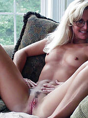 Blondie mother with