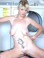 Great blonde mature in photo
