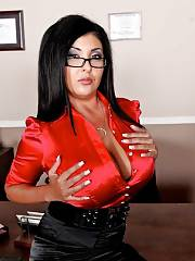 Some milfs in nylons