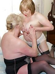 Chubby lesbi matures