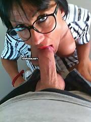 Amateur porn - mature female secretary doing suck for her boss in the office & makes him sperm inside her throat