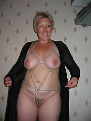 Super mom. blowing pecker and showing off those breasts for the stunning of the family.