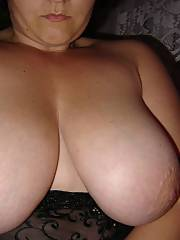 Nasty mature MILF lets the freak out in these photos, great quality!
