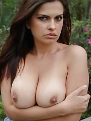Hot brunette wifey