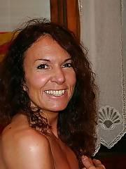 Nice nude brunette mature.