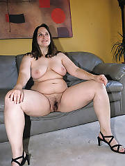 Sexy fat mamma jamie showing her chubby body.