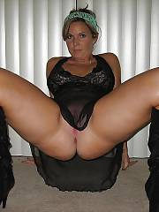 Hot mom loves spreading