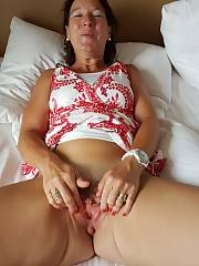 Hot mature wife jizzed on vacation