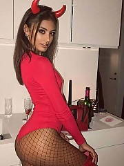 Halloween Your gf Dressed for the Party Amateur Funny Teen