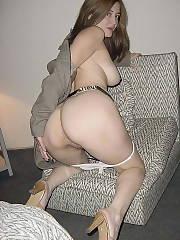 Sleazy Wife 32 Amateur Hairy MILF